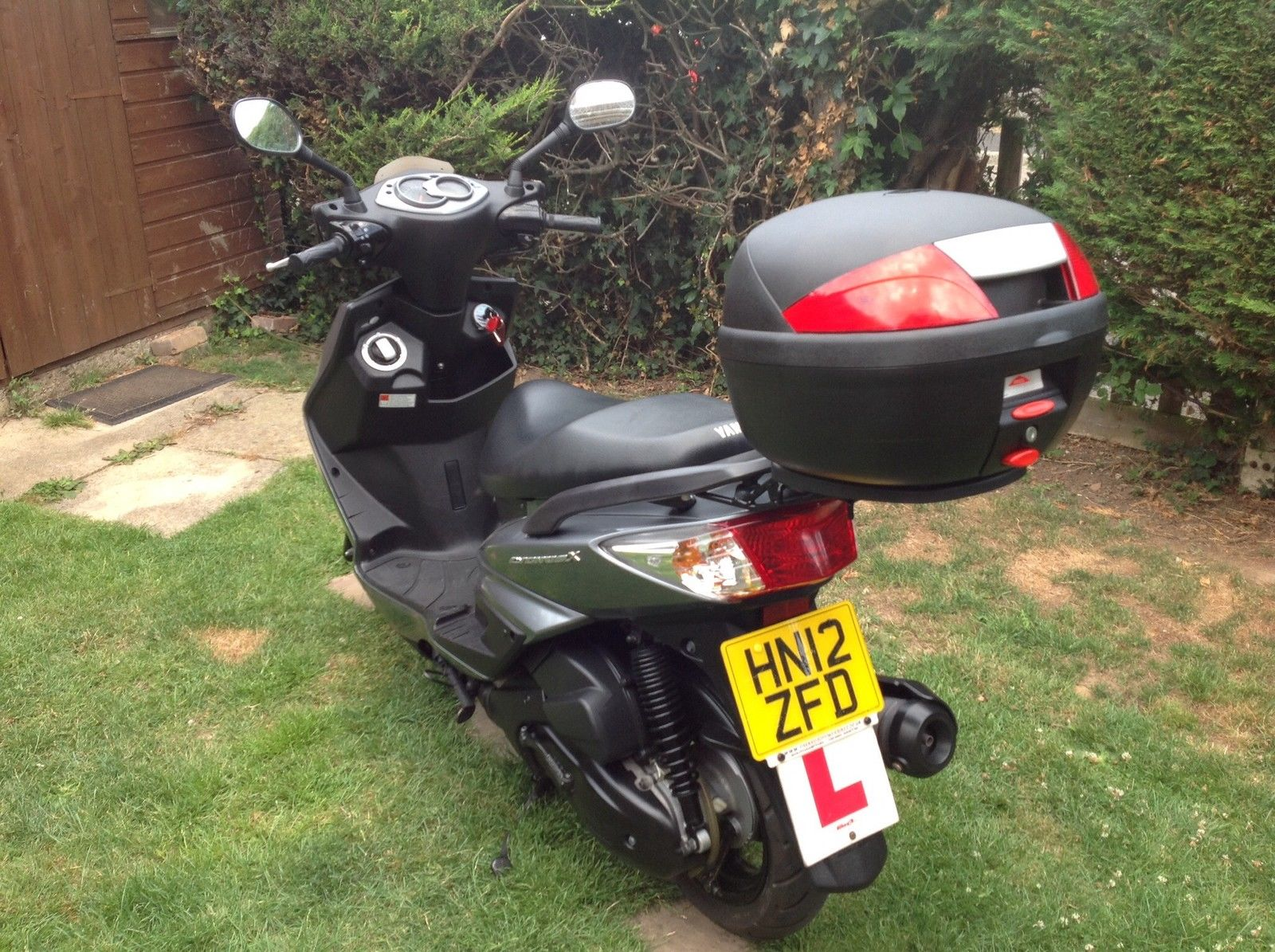 Yamaha cygnus xc125 twist and go scooter for Nh yamaha dealers