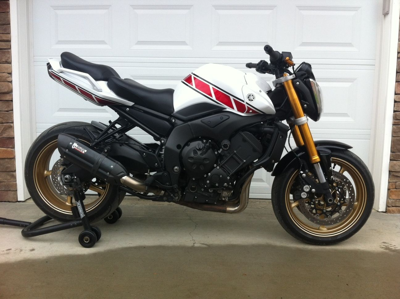 Yamaha FZ1 N 2014 **150bhp naked with Racefit exhaust