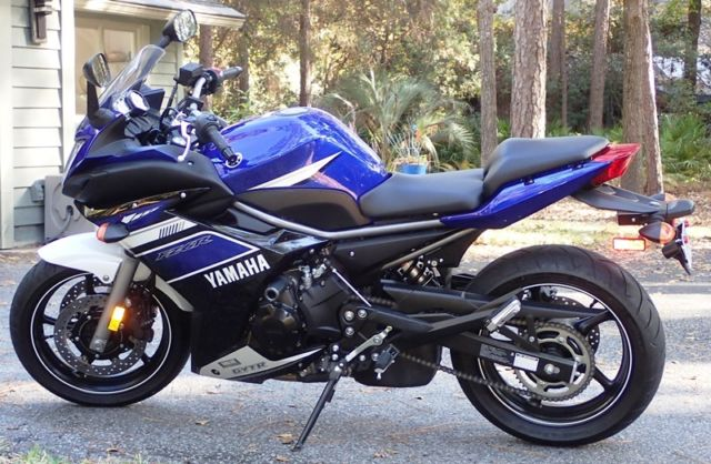 Yamaha FZ6R, 2013, low miles