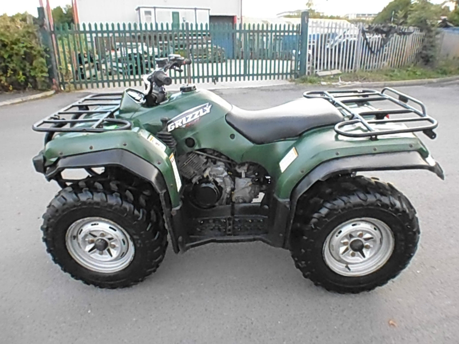 yamaha grizzly 350 4x4 farm quad bike atv ideal smallholding equestrian. Black Bedroom Furniture Sets. Home Design Ideas