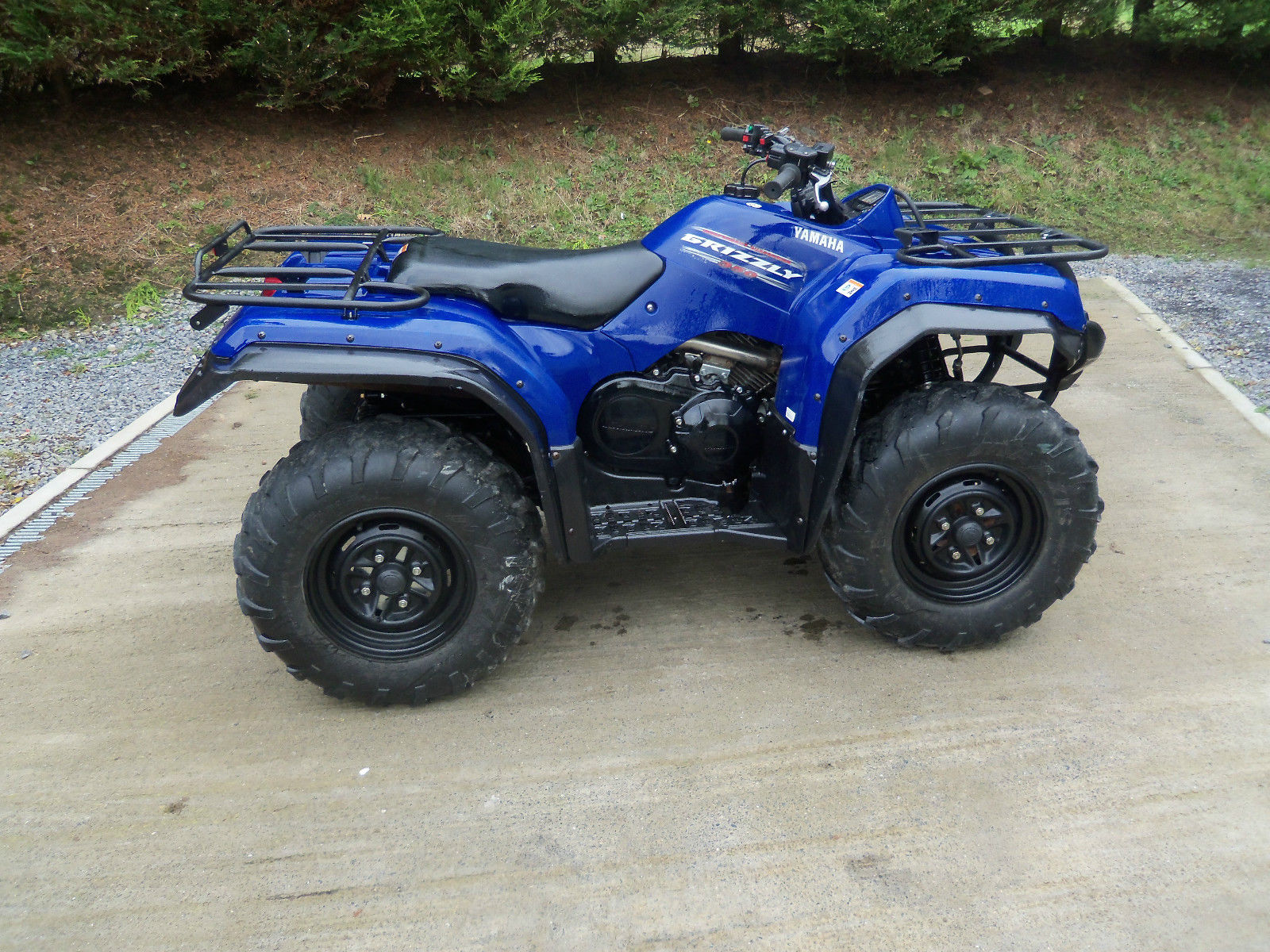 yamaha grizzly 350cc 4 x 4 quad bike. Black Bedroom Furniture Sets. Home Design Ideas