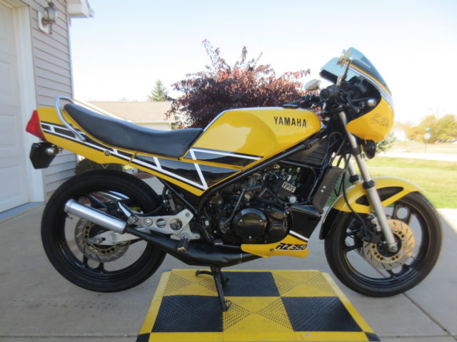 Yamaha RZ350 Kenny Roberts 1984