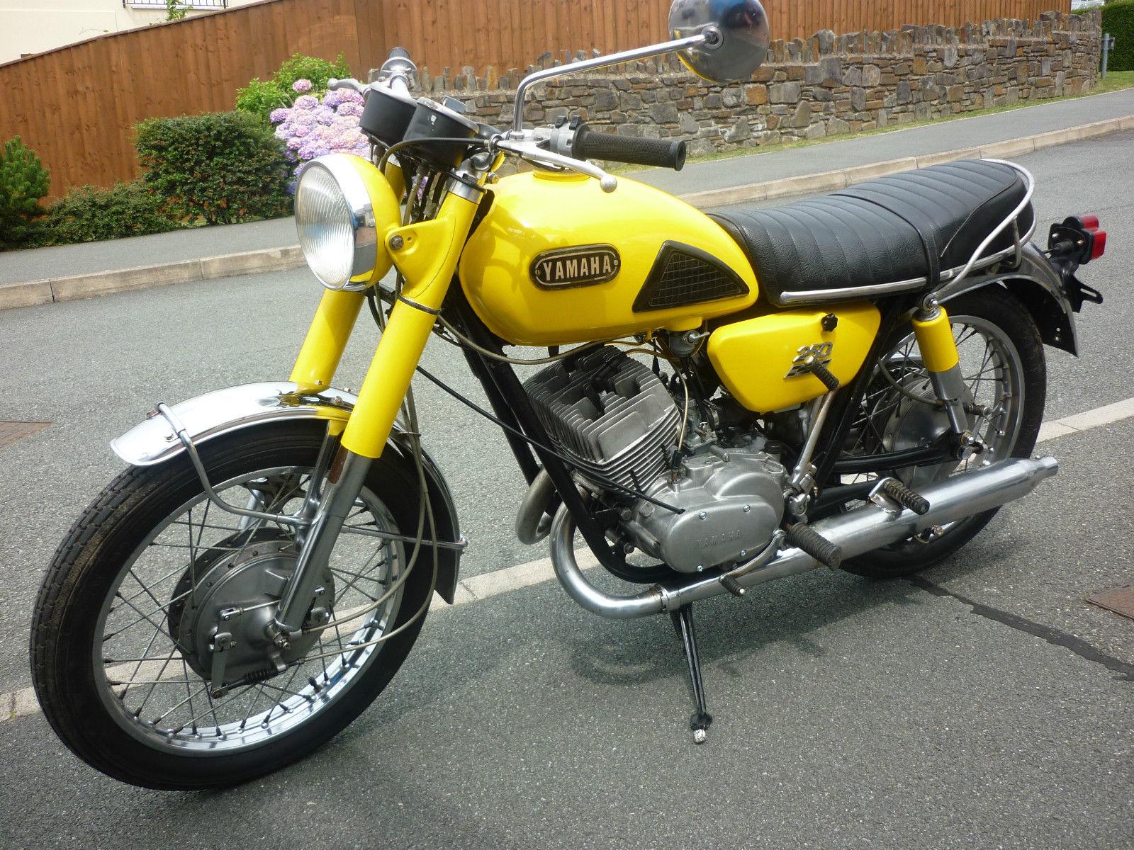 Yamaha yds6 250 cc 2 stroke twin 1969 for Yamaha 250 four stroke