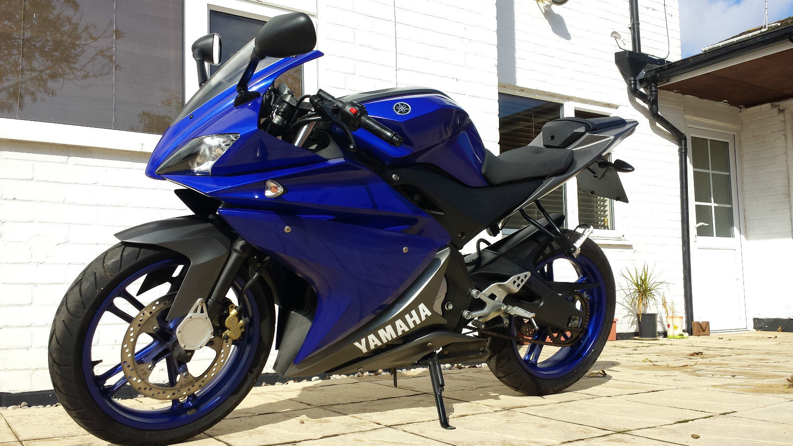 yamaha yzf r125 yzfr125 125 125cc learner legal 4 stroke sports sportsbike look. Black Bedroom Furniture Sets. Home Design Ideas