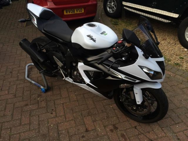 Zx6r Ninja 2013 Kawasaki Zx 636 Edf White Female Owner